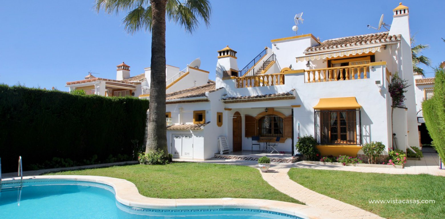 Frontline golf villa for sale in Villamartin exterior