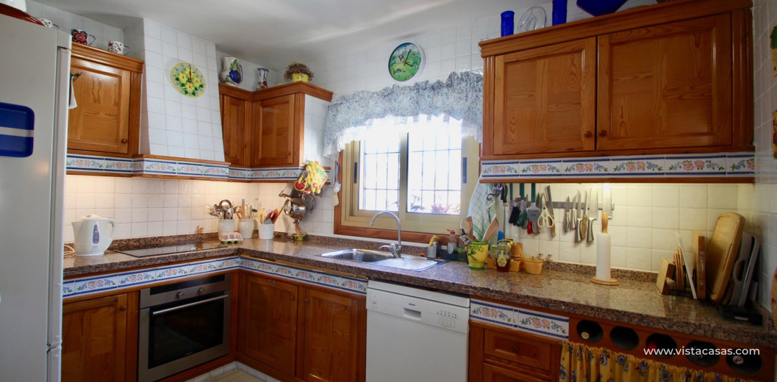 Frontline golf villa for sale in Villamartin kitchen