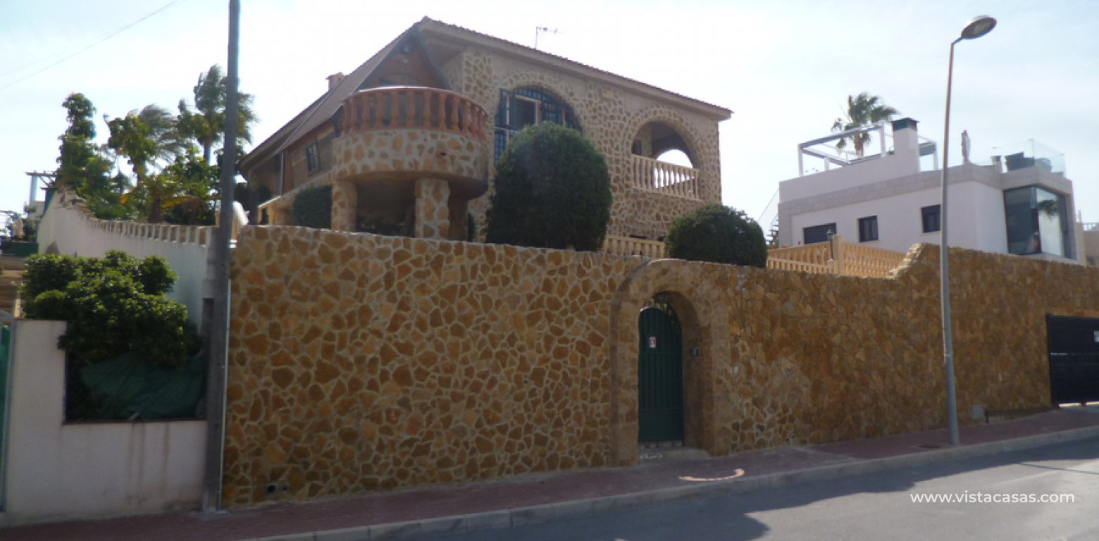 Resale - Villa - Los Balcones